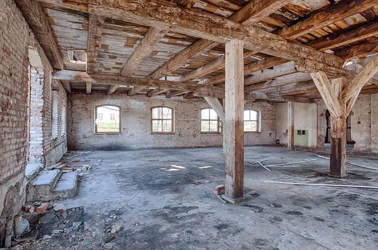 Baureinigung bei Abbruch und Entkernung von Gebäuden